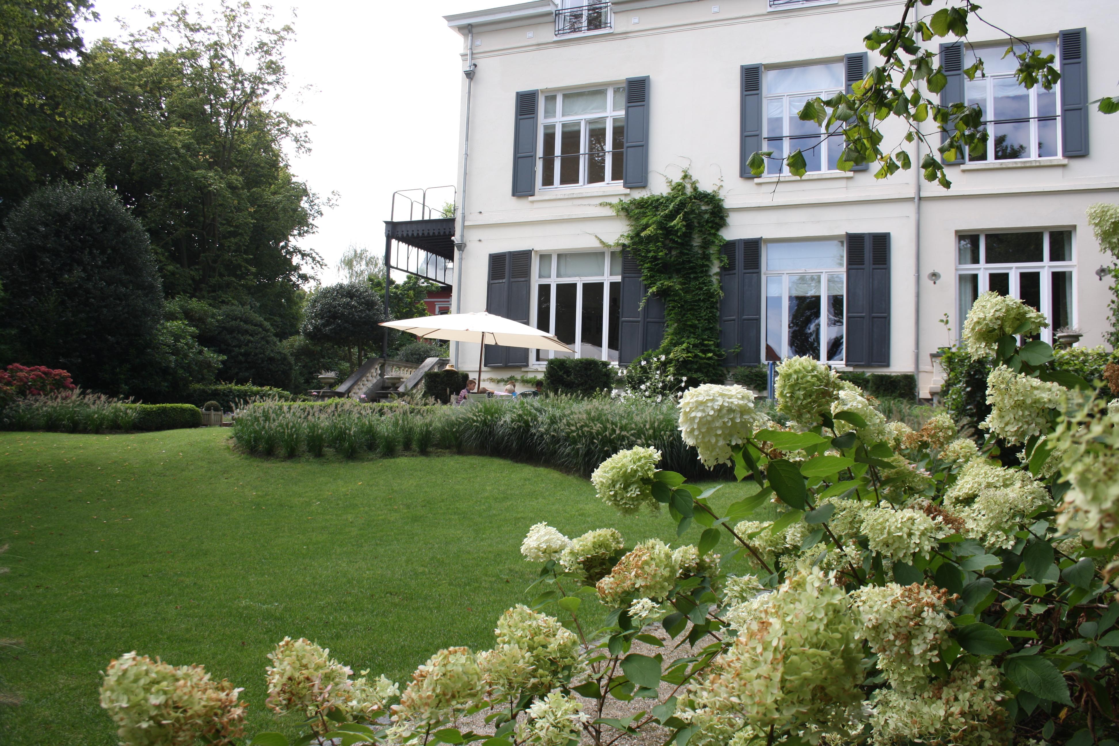 un parc autour de la maison art landscape architecte paysagiste architecte de jardin. Black Bedroom Furniture Sets. Home Design Ideas